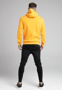 SIKSILK - BASIC OVERHEAD HOODIE UNISEX - Sweatshirt - yellow - 2