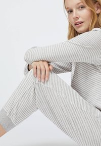 OYSHO - STRIPED - Pyžamový spodní díl - grey - 4
