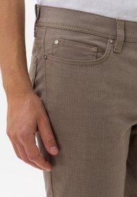 BRAX - STYLE CADIZ - Trousers - toffee - 3