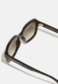 Alexander McQueen - Sunglasses - havana/brown - 3