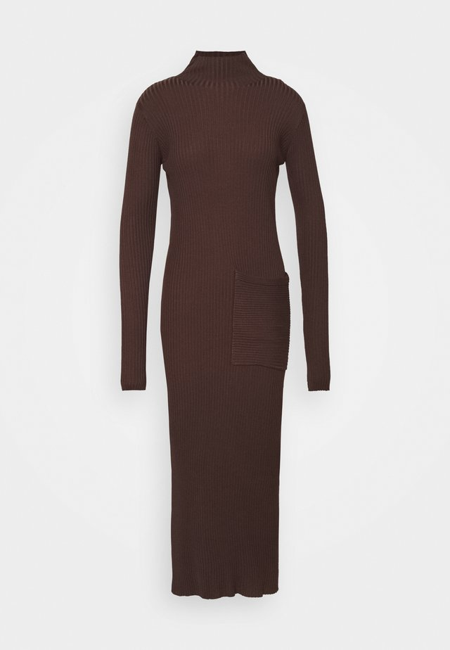 NORITT DRESS - Gebreide jurk - dark brown