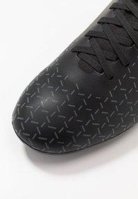 Umbro - VELOCITA V PREMIER FG - Scarpe da calcetto con tacchetti - black/carbon - 5