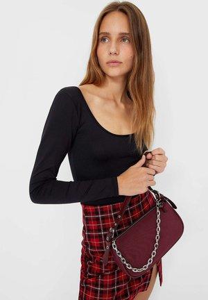 Håndtasker - bordeaux