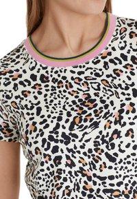 Marc Cain - Print T-shirt - offwhite - 1