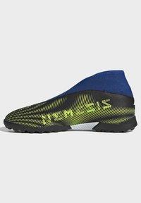 adidas Performance - NEMEZIZ.3 LACELESS TF FUSSBALLSCHUH - Astro turf trainers - black - 5