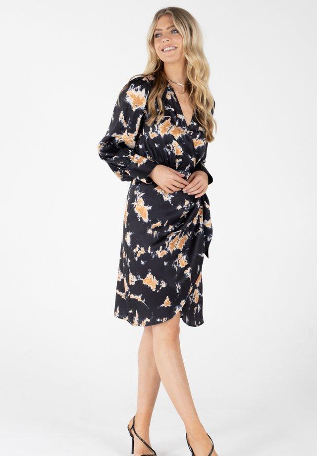 VANIA - Day dress - schwarz