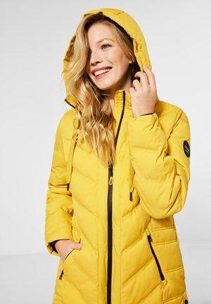 MIT STEPPUNG - Winter coat - gelb