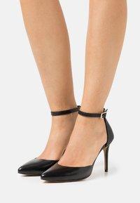 Steven New York - CECILLE - Classic heels - black - 0