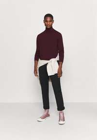 Selected Homme - SLHBERG ROLL NECK - Jumper - winetasting melange