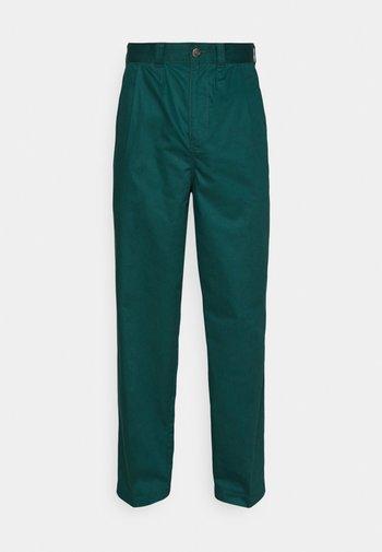 OSCARVILLE PLEATED PANT - Trousers - ponderosa pine
