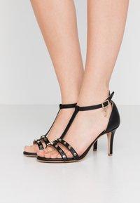 Trussardi - Korolliset sandaalit - black - 0