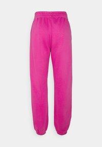 Nike Sportswear - PANT TREND - Pantalones deportivos - active fuchsia - 1