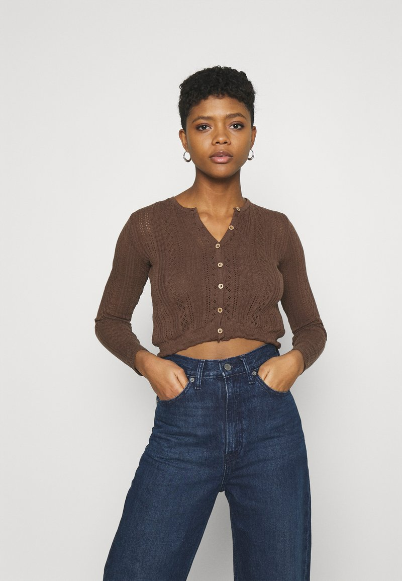 BDG Urban Outfitters - TWIN SET - Chaqueta de punto - chocolate