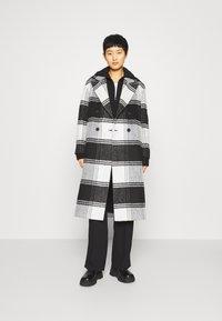 AllSaints - LOTTIE CHECK COAT - Classic coat - black/white - 0