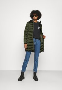 Save the duck - IRIS CAMILLE - Short coat - pine green - 1