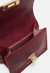 Valentino Bags - ANASTASIA - Across body bag - bordeaux - 2