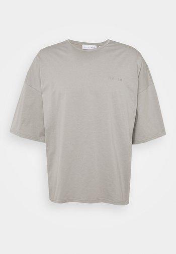 OVERSIZED CREW NECK - Jednoduché triko - grey
