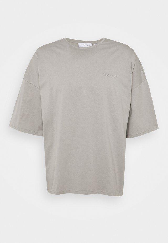 OVERSIZED CREW NECK - T-shirts - grey