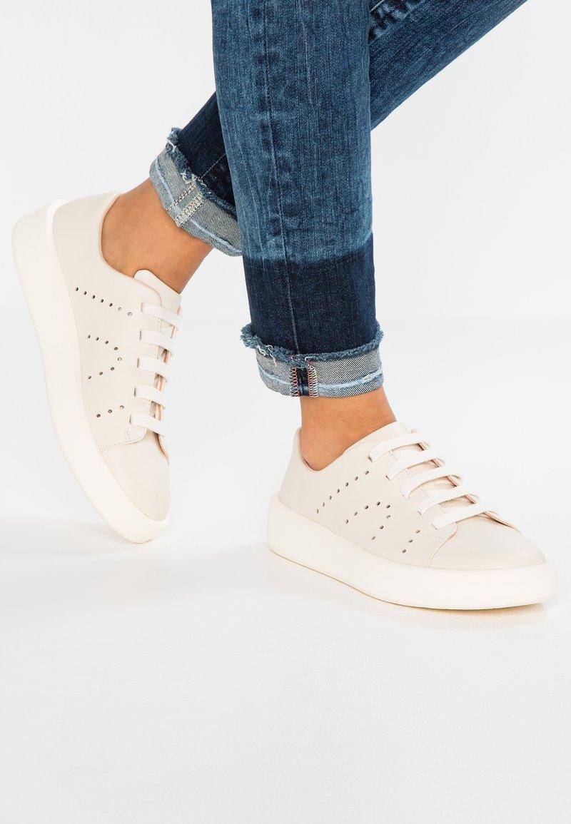 Camper - COURB - Sneakers laag - light beige