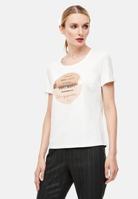 comma casual identity - Print T-shirt - white placed print - 5