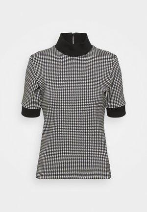 DABASTINA - Basic T-shirt - open miscellaneous
