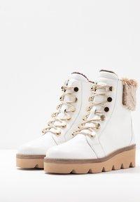 Gabor - Wedge Ankle Boots - weiß/beige - 4