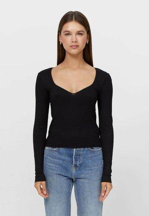 MIT HERZAUSSCHNITT  - Long sleeved top - black