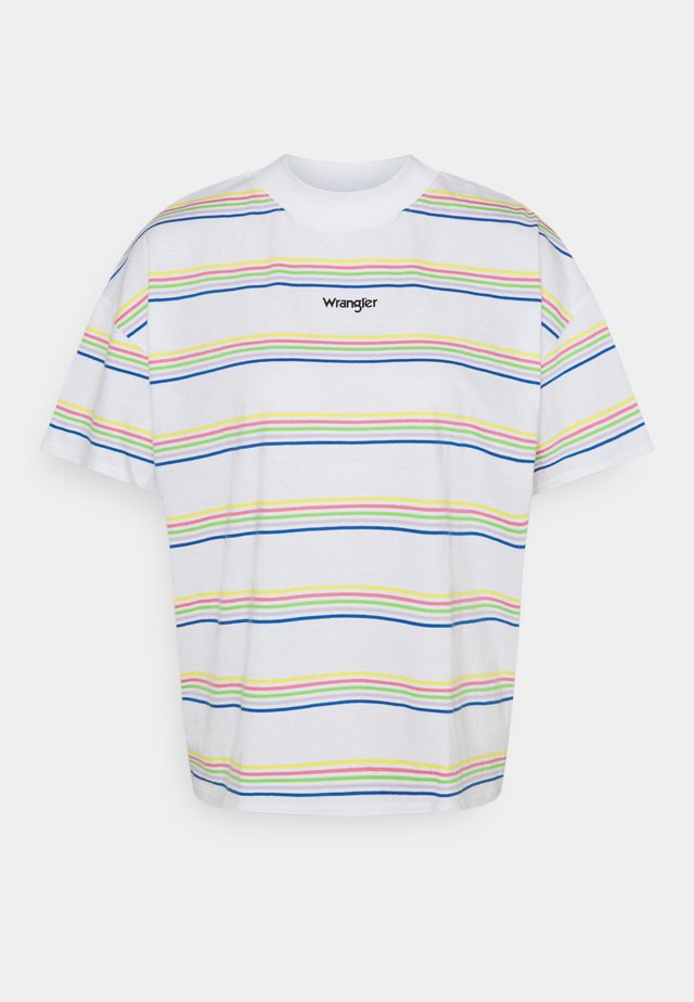 HIGH NECK GIRLFRIEND - T-shirt print - white