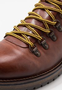 Shoe The Bear - LAWRENCE - Lace-up ankle boots - tan - 5