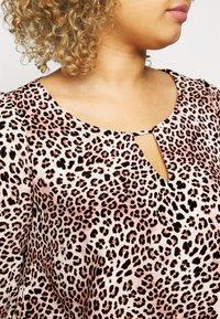 Dorothy Perkins Curve - LEOPARD KEYHOLE NECK - Camicetta - multi - 5