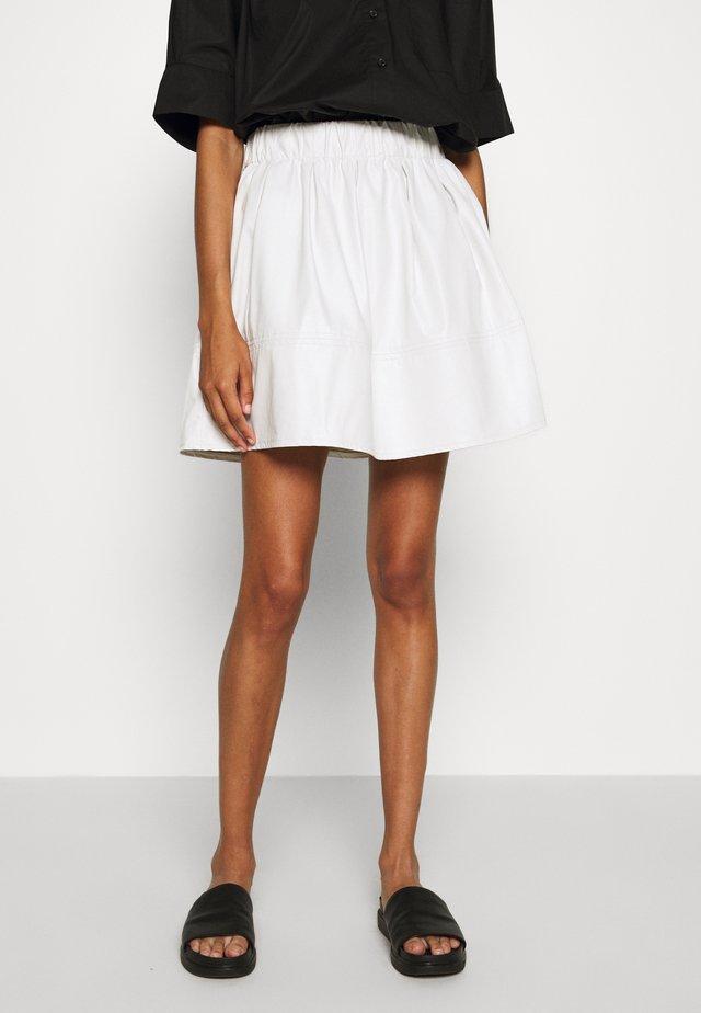 KIA - A-linjekjol - white