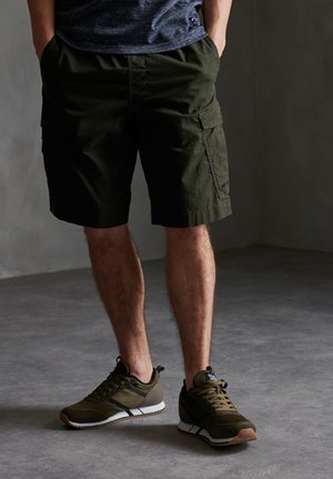 SUPERDRY WORLDWIDE CARGO SHORTS - Shorts - rosin