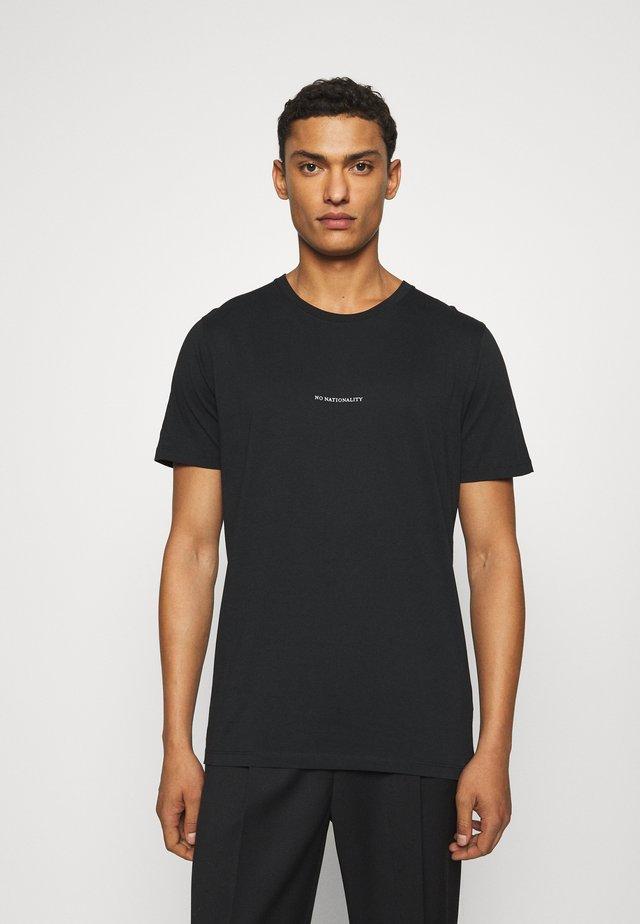 ETHAN PRINT TEE - T-shirts print - black