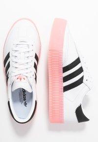 adidas Originals - SAMBAROSE  - Baskets basses - footwear white/core  black/glow pink - 4