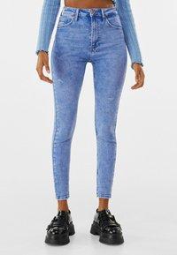 Bershka - SUPER HIGH WAIST - Jeans Skinny Fit - blue - 0