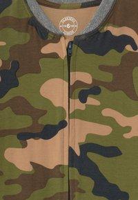 Claesen's - BOYS ONEPIECE - Pyjamas - army - 3