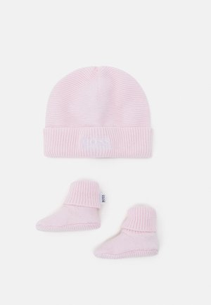 PULL ON HAT SLIPPERS BOX SET UNISEX - Beanie - pinkpale