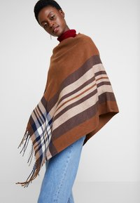 Cream - BRIELLE PONCHO - Cape - dachshund brown - 3