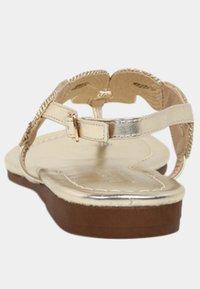 LASCANA - Sandalias de dedo - gold-coloured - 4