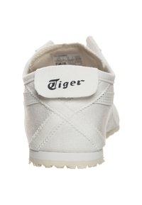 Onitsuka Tiger - Chaussures d'entraînement et de fitness - white - 3