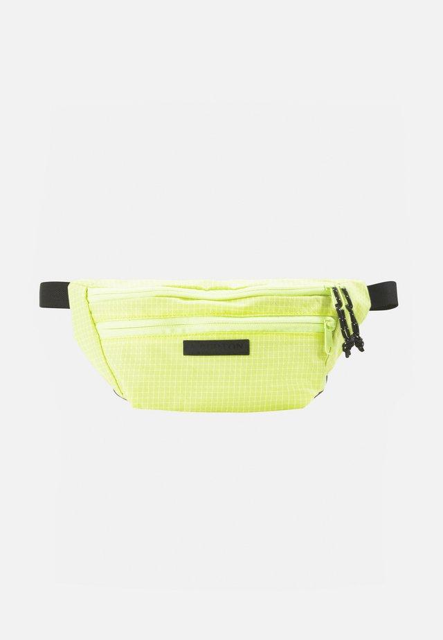 HIP PACK UNISEX - Sportovní taška - limeade