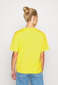 Lacoste - T-shirt basic - guepe - 2