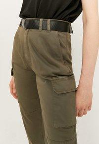 TALLY WEiJL - Cargo trousers - green - 3