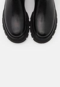 3.1 Phillip Lim - KATE LUG SOLE COMBAT BOOT - Platform boots - black - 3