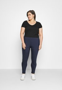 Tommy Jeans Curve - TAPE - Leggings - Trousers - twilight navy - 1