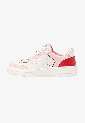 MIT DETAILS  - Sneakers laag - pink
