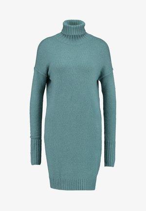 VMLUCI ROLLNECK DRESS - Pletené šaty - north atlantic