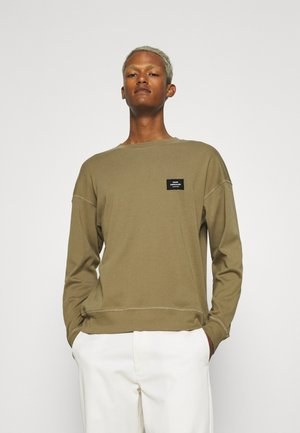 BADGE - Sweater - capers