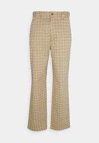 Tommy Jeans - Pantalon classique - classic khaki - 0