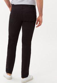BRAX - STYLE CADIZ - Jeans slim fit - black - 2